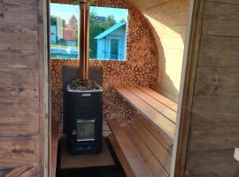 Private sauna and camping, loma-asunto Pärnussa