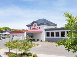 Ramada by Wyndham Kingston Hotel & Conference Center, hotel in Kingston