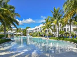 LICENSED MGR - MODERN 3/3.5 VILLA - KEY LARGO'S MOST UPSCALE OCEANFRONT RESORT!, vacation rental in Key Largo