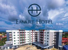 Emart Hotel (Riam), hotel di Miri