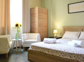 Sunflower Cozy Apts, accommodation in Heraklio Town