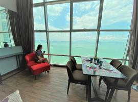 MagHome at Maritime Sea View 2BR Duplex 海天一色高楼美景房, apartment in George Town