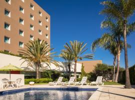 Fiesta Inn Tijuana Otay Aeropuerto, hotel cerca de Aeropuerto internacional de Tijuana - TIJ,