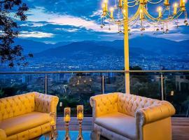 HOTEL BOUTIQUE EL FARO BY AROMAX, hotel cerca de Museo el Castillo, Medellín