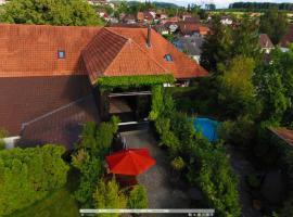 Bijou Hotel / Love and Romance, hôtel à Kallnach près de: Congress Centre Biel