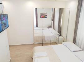 Modern Room with private bathroom, hotel in Trento