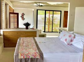 Villa Aikia (Adults Suites A/C), hotel en Zipolite