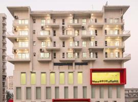 Hotel VVIP Suites, hotel en Ghaziabad