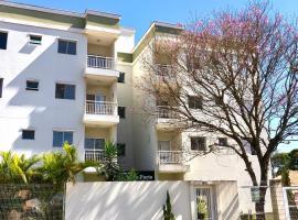 Apto Novo - Privado - 2 quartos com sala e cozinha integrada, hotel em Piracicaba