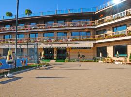 Park Hotel Izida, hotel in Dobrich