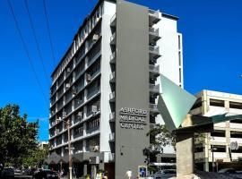 Ocean View King Bed Studio with Pk, spa hotel in San Juan