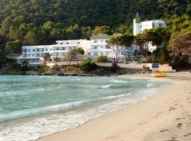 Apartamentos El Pinar, hotel en Cala Llonga