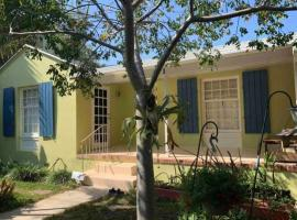 "CASA Artista Entire 3 BR HOME ""art retreat"" near Diving and close to the Public Beach, vacation rental in West Palm Beach"