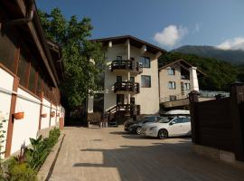 Elpida Boutique Hotel, viešbutis mieste Krasnaja Poliana, netoliese – Slidinėjimo keltuvas A2