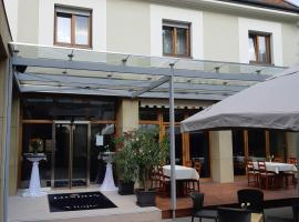LONDON Boutique hotel & Restaurant, hotel v destinaci Trnava