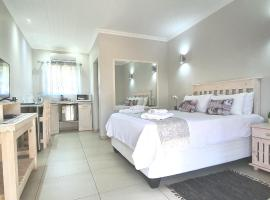 Dive Inn Guesthouse, hotel with parking in Pongola