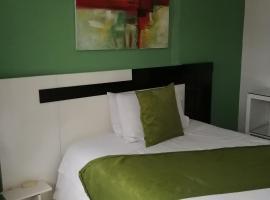 HOTEL COLONIAL, hotel em Guaranda