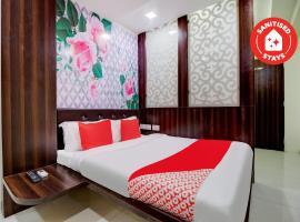 OYO 60955 Gurukripa Lodging, hotel in Thane