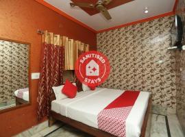 OYO 18641 Hotel Rashmi, hotel near Taj Mahal, Agra