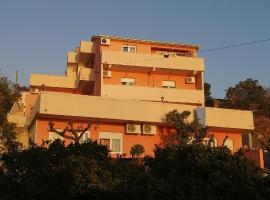 Villa Luketa, apartment in Podstrana