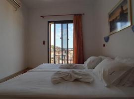 Denise Hotel, hotel in Skopelos Town