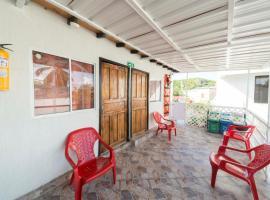 Alojamiento Frente al Aeropuerto, guest house in San Andrés