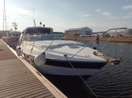 Mathis 3 - fairline 11m, boat in Le Havre