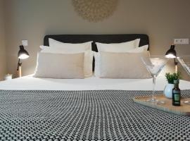 Sweet Home studio Aix en Provence, terrasse, piscine, resto,, apartment in Aix-en-Provence