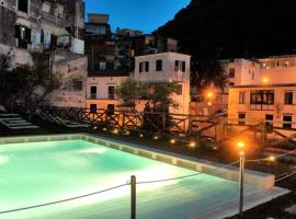 Paper Apartment, hotel with pools in Amalfi