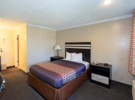 Surf Motel and Gardens, hotel in Fort Bragg