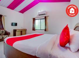 OYO 70235 Hill View Resort, hotel with pools in Nashik
