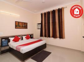 OYO 33025 Stay Bird Inn, hotel in Greater Noida