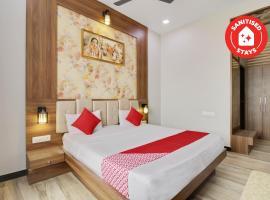 OYO 70836 Hotel Golden Palace, khách sạn ở New Delhi