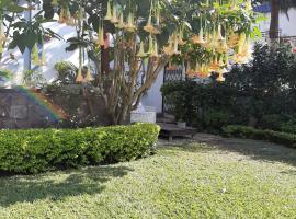 FIGTREE GUESTHOUSE, hotel near Joaquin Chissano International Conference Center, Maputo