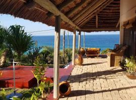 Beach house in Tofinho Inhambane, apartment in Inhambane