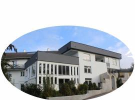 Haus Pucher, guest house in Sankt Florian am Inn