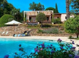 Peaceful Villa in Cogolin with Private Pool, hôtel à Cogolin