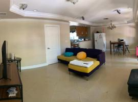 House hostel world connect, homestay in Miami