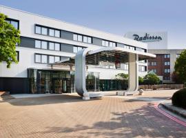 Radisson Hotel and Conference Centre London Heathrow, hotel in Hillingdon