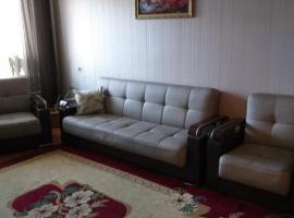 Квартира на Гараева на долгий срок, hotel em Baku