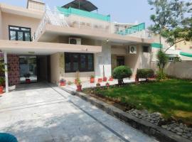 B&B House, hotel near Safa Gold Mall, Islamabad