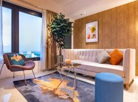 ❈ Tropicana 218 by ALV Suites ❈, apartment in George Town