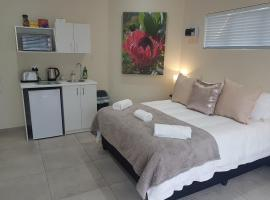 Sharon's House: Modern Self-Catering rooms, self-catering accommodation in Cape Town