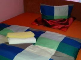 Schöhne Zimmer mit Doppelbet, apartment in Munich