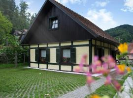 Hiška ob potoku, hotel v mestu Dobrna