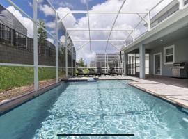Family Resort - 8BR Luxury Mansion - Private Pool, Games!, villa in Davenport