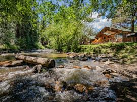 Colorado Bear Creek Cabins, hotel in Evergreen