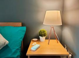 Budget Accommodation Close to Uni and Train Station!, hotel in Manchester