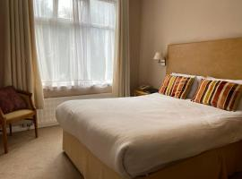 Hinton Firs Hotel, hotel in Bournemouth