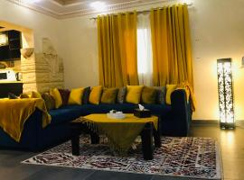 Luxury apartment El Mohandessen, luxury hotel in Cairo